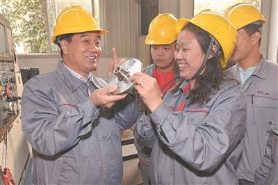 """""""倾家荡产也要造出国产碳纤维"""" 连亏1..."""