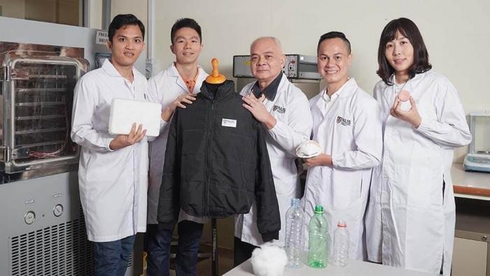 新加坡国立大学(NUS)开发出世界上第一个用塑料瓶制成的气凝胶
